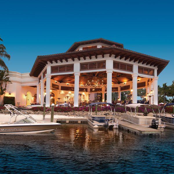 5-open-air-Blue-Water-Beach-Grill