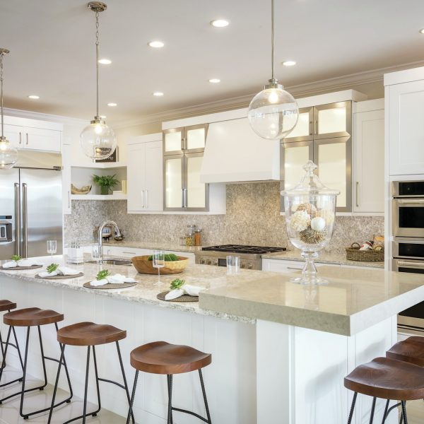 Azure-at-Hacienda-Lakes_Model-Kitchen