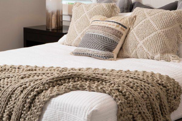 Guest-Bedroom-Vignette-2